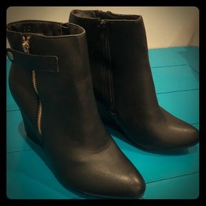 Black booties with gold accents size 10W